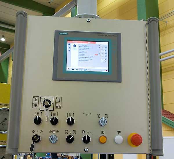 Nytt styrsystem från Ap&T