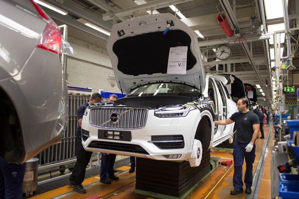 Volvo nyanställer hundratals