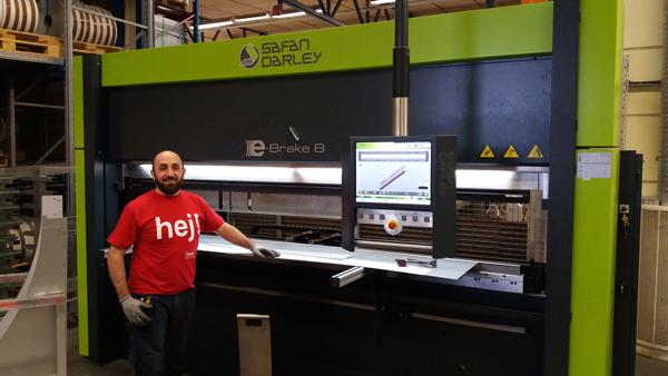 Hoval Enventus investerar i en servolelektrisk kantpress