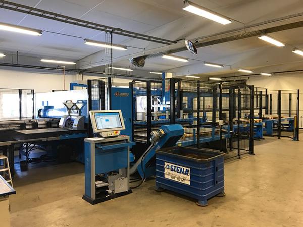 Henjo i Ljungby investerar i ny stansmaskin med hantering