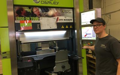 Toyota material handling i Mjölby investerar i ergonomisk kantpress med servodrift