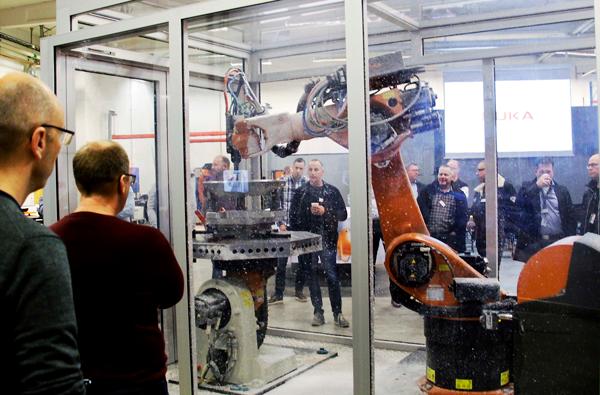 Robotar och CNC-maskiner – en effektiv kombination