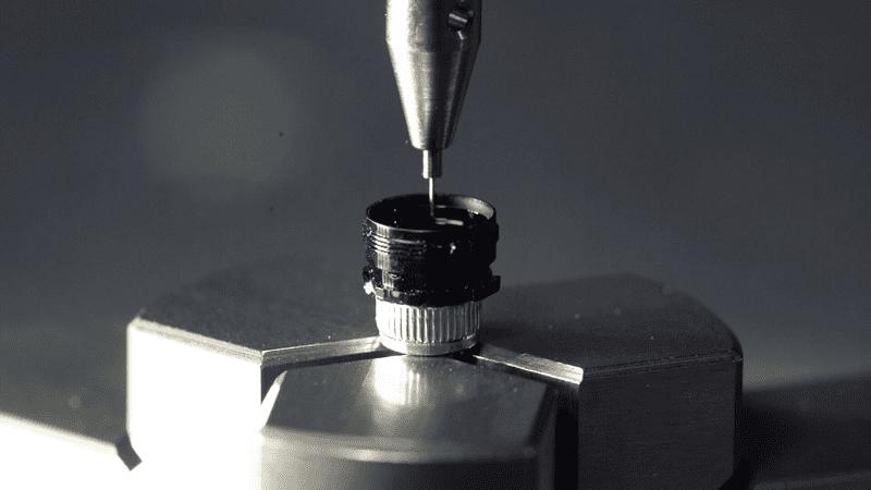 Ny lösning för submikronoggrannhet hjälper tillverkare fyrdubbla inspektionsgenomströmning för känsliga elektroniska produkter